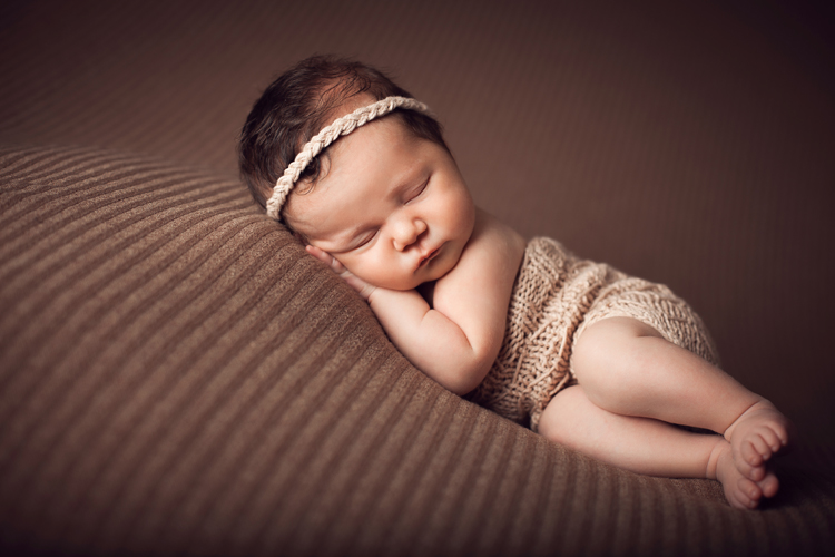 Kelowna Newborn Photographer | Baby Bliss Photography04