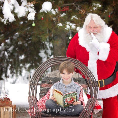 Kelowna Santa Photographer | Baby Bliss Photography | www.babyblissphotography.ca