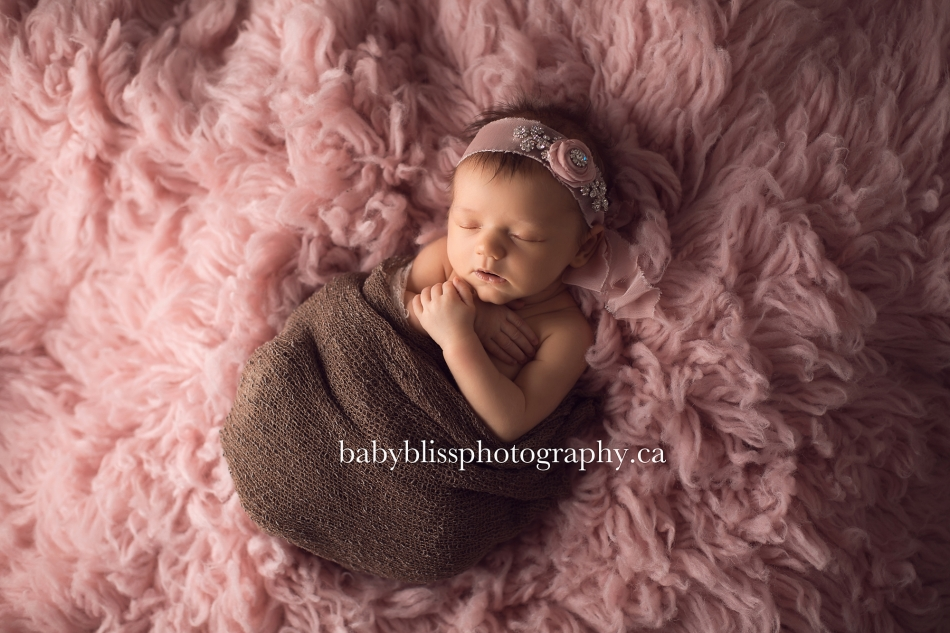 Beautiful Dylan and her newborn portraits