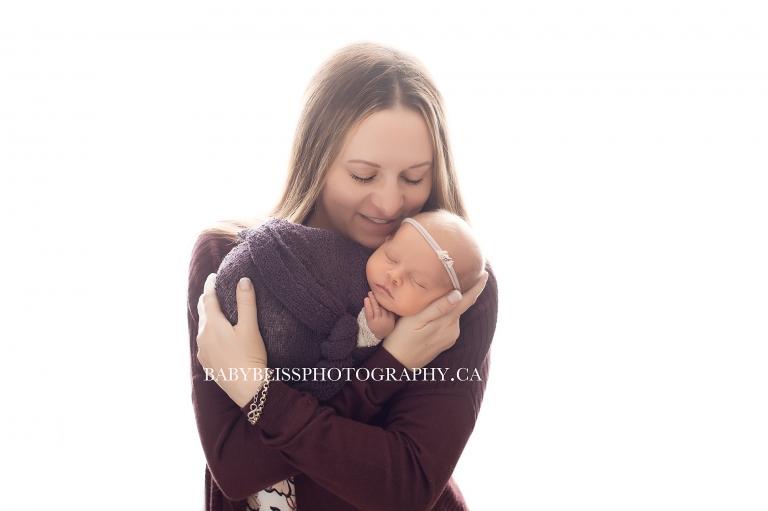 newborn portraits staring Ilona