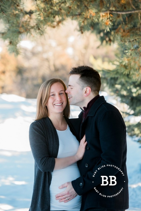 Kelowna Maternity Photographer